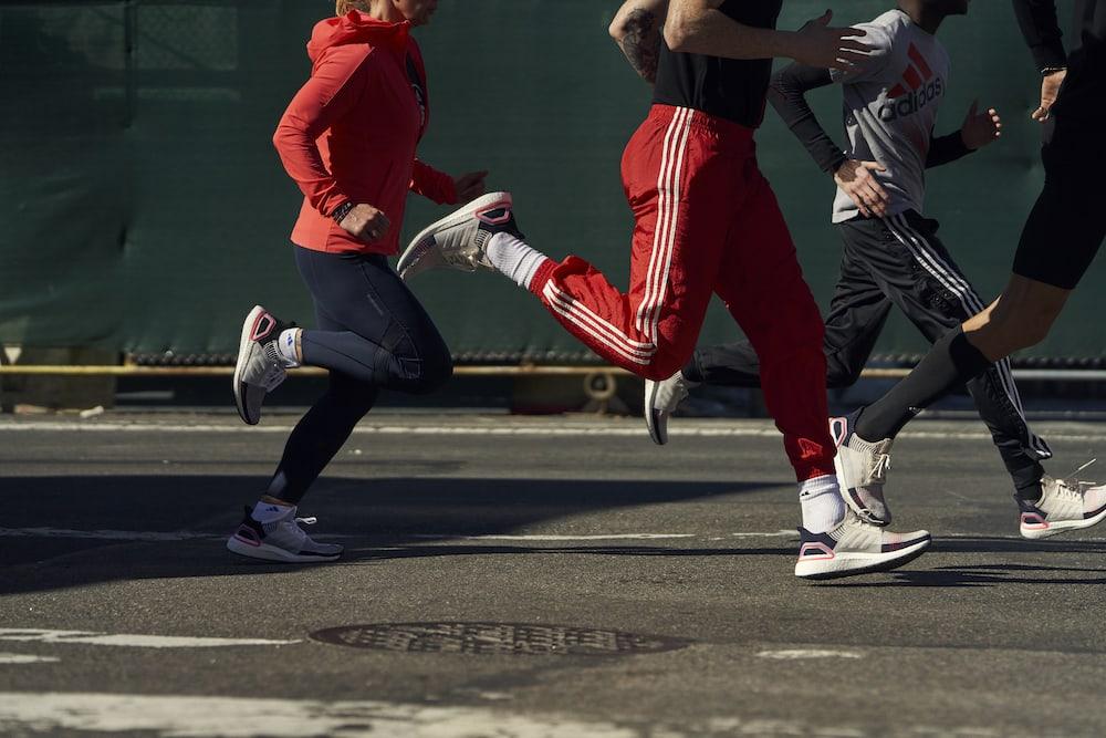 incaltaminte pentru alergare