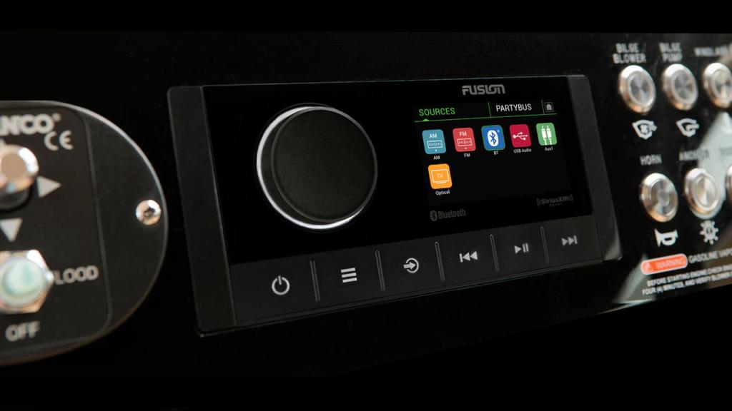 RA670 multiple optiuni de sursa audio