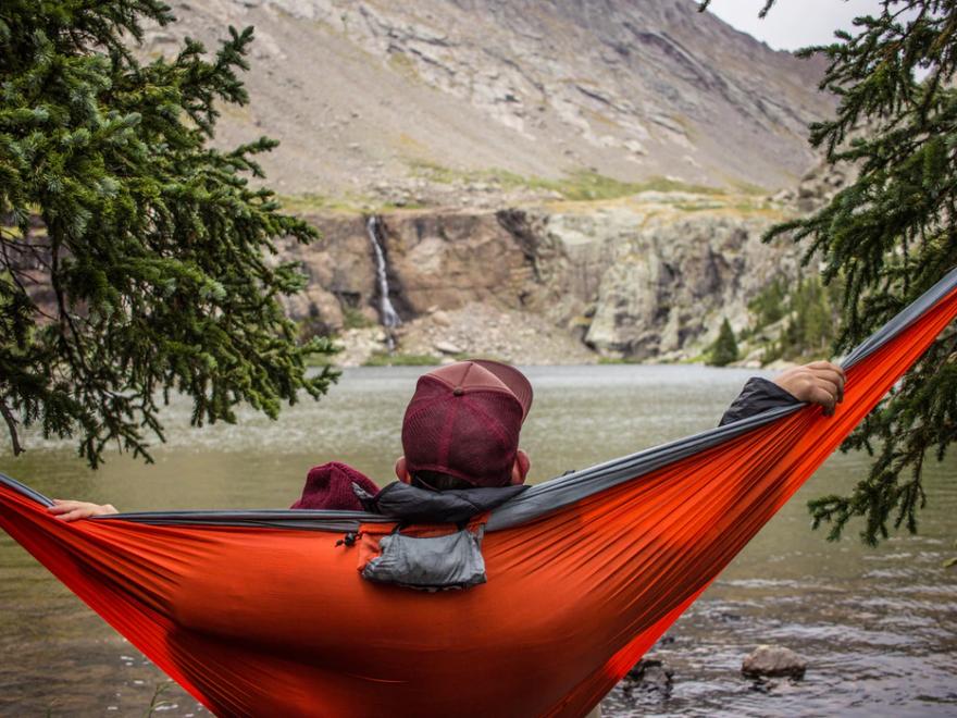 Camping in hamac